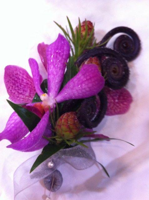 Boutonnires corsages art of flowers lv 74486612 boutonnieres corsages home wedding decorations las vegas junglespirit Choice Image